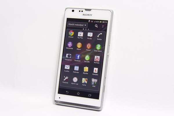 http://imgu.mobil.hr/testovi/1373130163.jpg