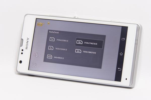 http://imgu.mobil.hr/testovi/1373130920.jpg