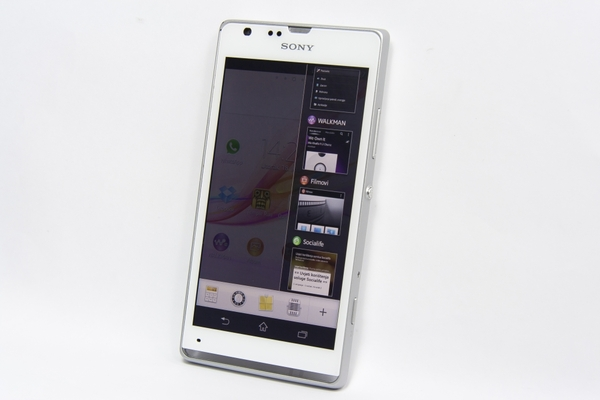 http://imgu.mobil.hr/testovi/1373131150.jpg